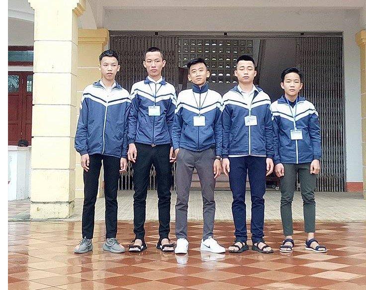 5 nam sinh tra lai gan 15 trieu dong cho nguoi danh roi hinh anh 1