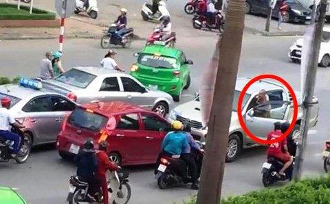 Truy nã tên sát nhân máu lạnh sát hại dã man 2 bố con ở Hưng Yên