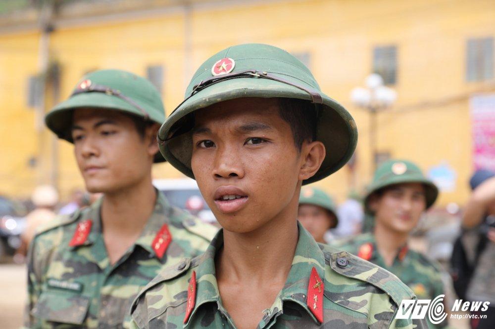 Anh: Hon 2.000 nguoi ngay dem tim kiem nguoi mat tich sau lu khung khiep o Mu Cang Chai hinh anh 9