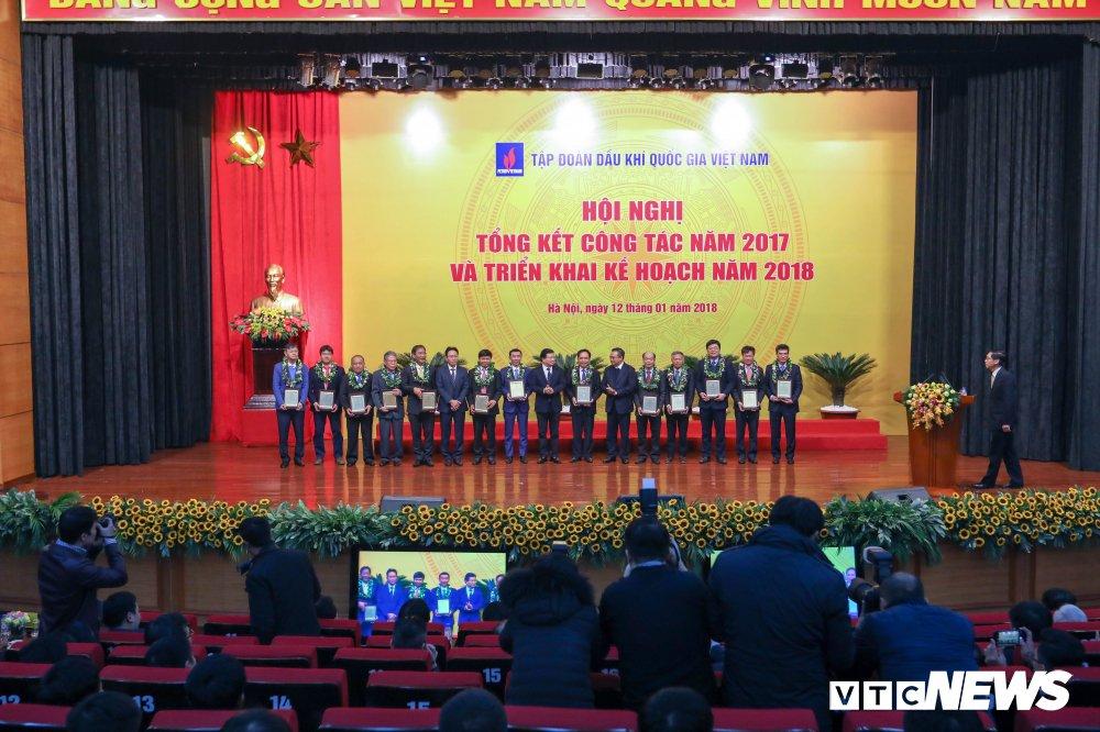 Nam 2017, PVN nop ngan sach gan 100 nghin ty dong hinh anh 2