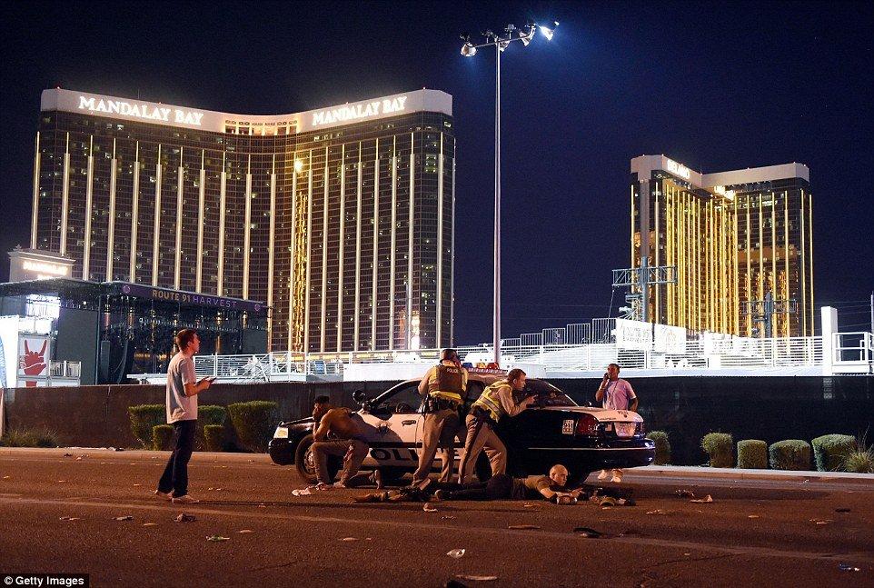 Video, anh: Xa sung khung khiep tai Las Vegas, hang chuc nguoi thuong vong hinh anh 2