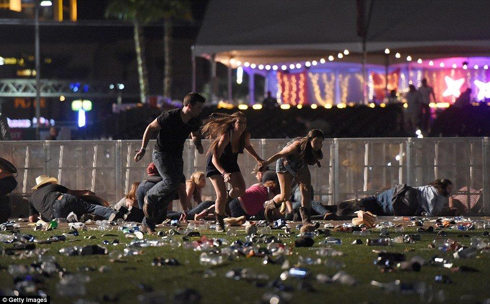 Video, anh: Xa sung khung khiep tai Las Vegas, hang chuc nguoi thuong vong hinh anh 1