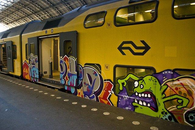 Anh: Nhung tac pham graffiti an tuong tren cac toa tau khap the gioi hinh anh 9