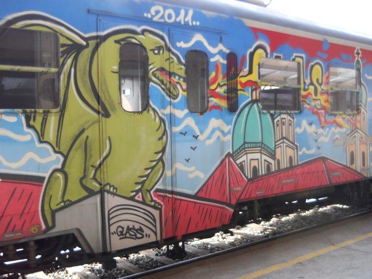Anh: Nhung tac pham graffiti an tuong tren cac toa tau khap the gioi hinh anh 7