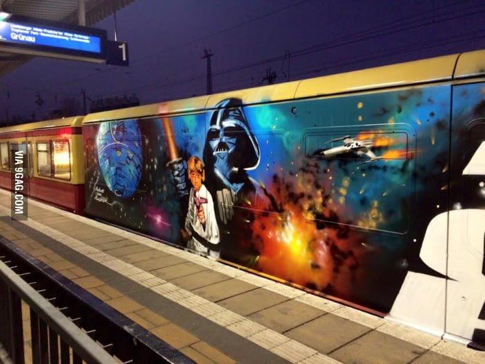 Anh: Nhung tac pham graffiti an tuong tren cac toa tau khap the gioi hinh anh 2