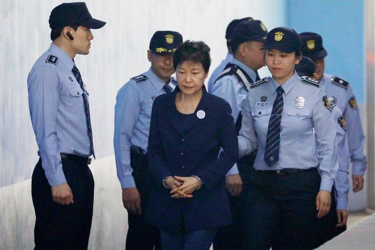 Ba Park Geun-hye doi mat an 30 nam tu hinh anh 1