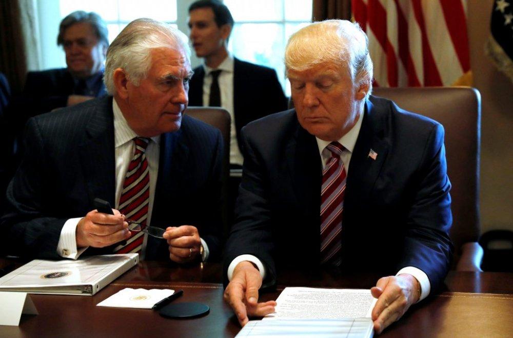 Tong thong Trump tiet lo ly do sa thai Ngoai truong Rex Tillerson hinh anh 1