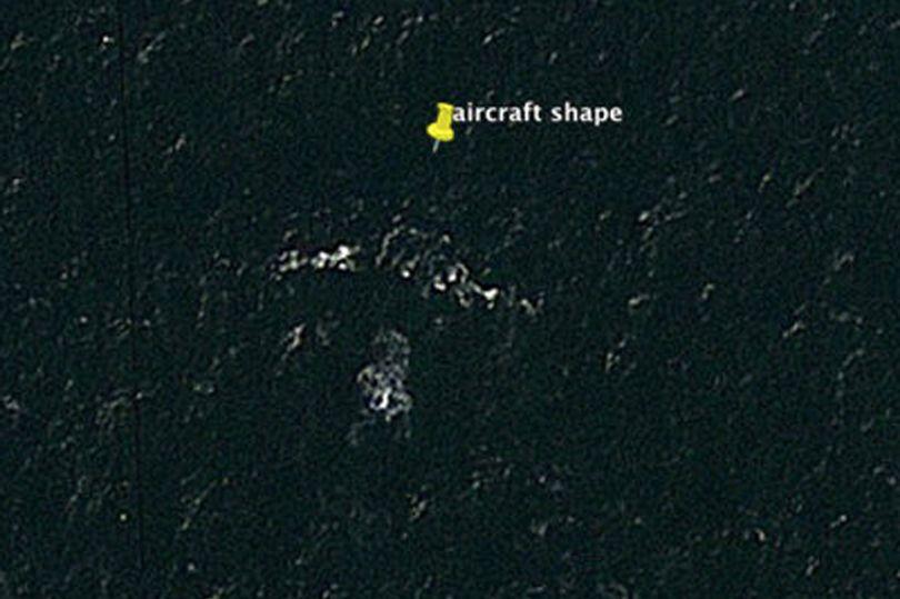 Nguoi dan ong tuyen bo tim thay may bay MH370 nho Google Map hinh anh 1