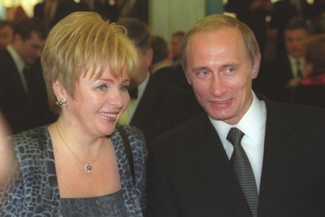 Nhung hinh anh hiem ve le nham chuc lan dau tien cua Tong thong Putin 18 nam truoc hinh anh 4