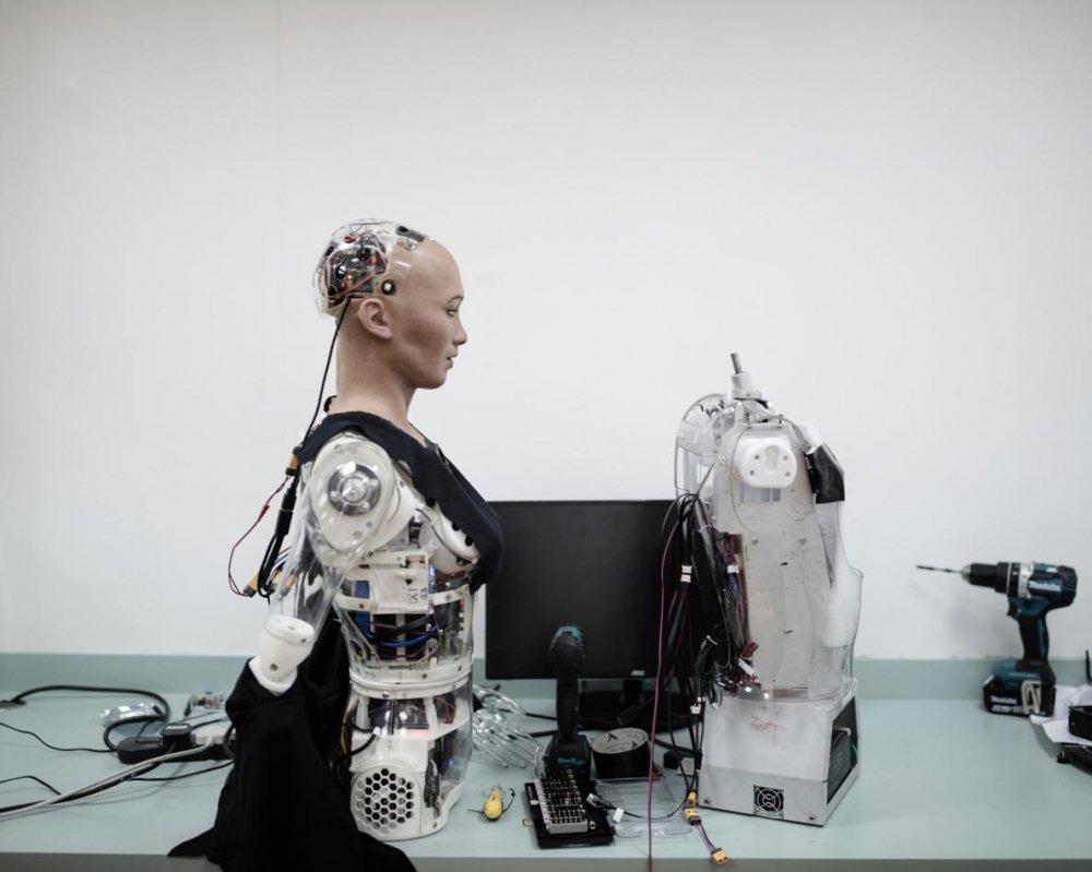 Su that robot muon 'huy diet loai nguoi', tuyen bo co the lam tong thong tot hon ong Trump hinh anh 5
