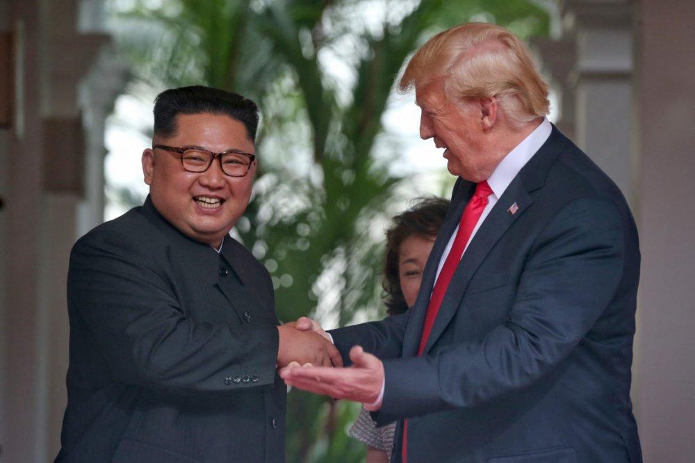 Hai nha lanh dao Trump, Kim chinh thuc nhan loi moi den tham nhau hinh anh 1