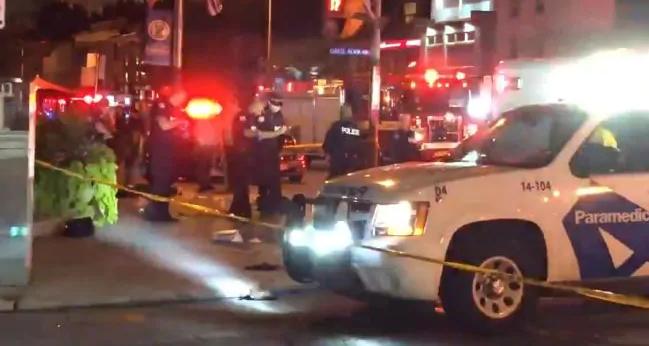 Video: Khoanh khac tay sung na dan o Toronto khien 14 nguoi thuong vong hinh anh 1