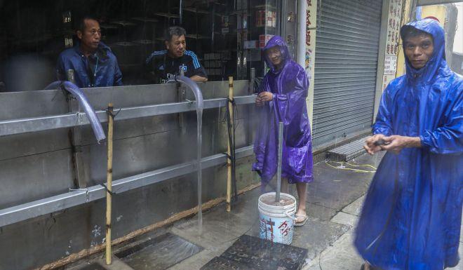 Anh, video: Sieu bao MANGKHUT can quet, Macau chim trong bien nuoc hinh anh 4