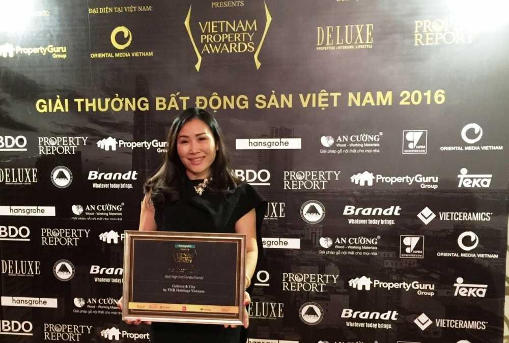 TNR Holdings Viet Nam gianh cu dup giai thuong Bat dong san uy tin nhat Viet Nam hinh anh 1