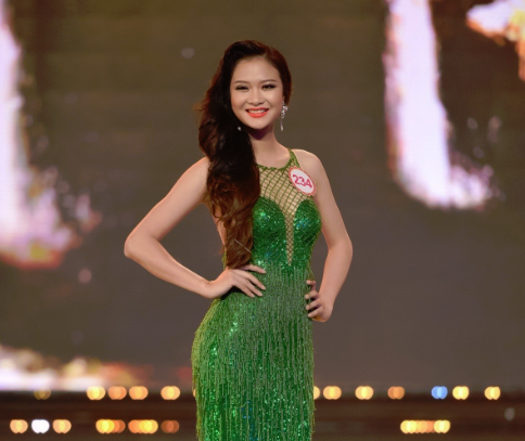 Truong Nam Thanh 'bung no' cung dan nguoi dep bikini hinh anh 17