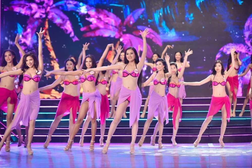 Truong Nam Thanh 'bung no' cung dan nguoi dep bikini hinh anh 13