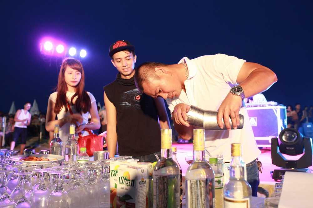 'Chay' het minh tai Bartender Show o Sam Son hinh anh 7