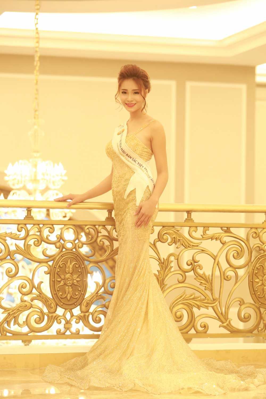 Thi sinh mien Bac Hoa hau Ban sac Viet toan cau nong bong voi bikini hinh anh 18