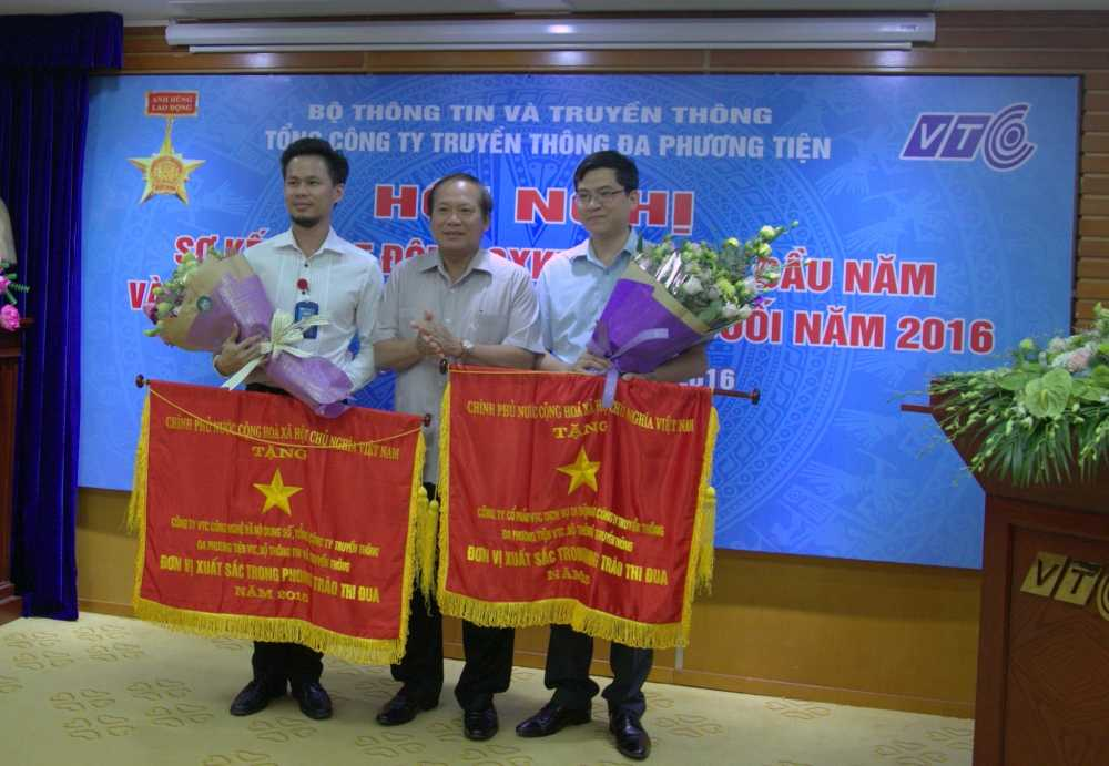 VTC Intecom duoc Bo truong Bo TTTT trao co dan dau phong trao thi dua cua Chinh phu hinh anh 1