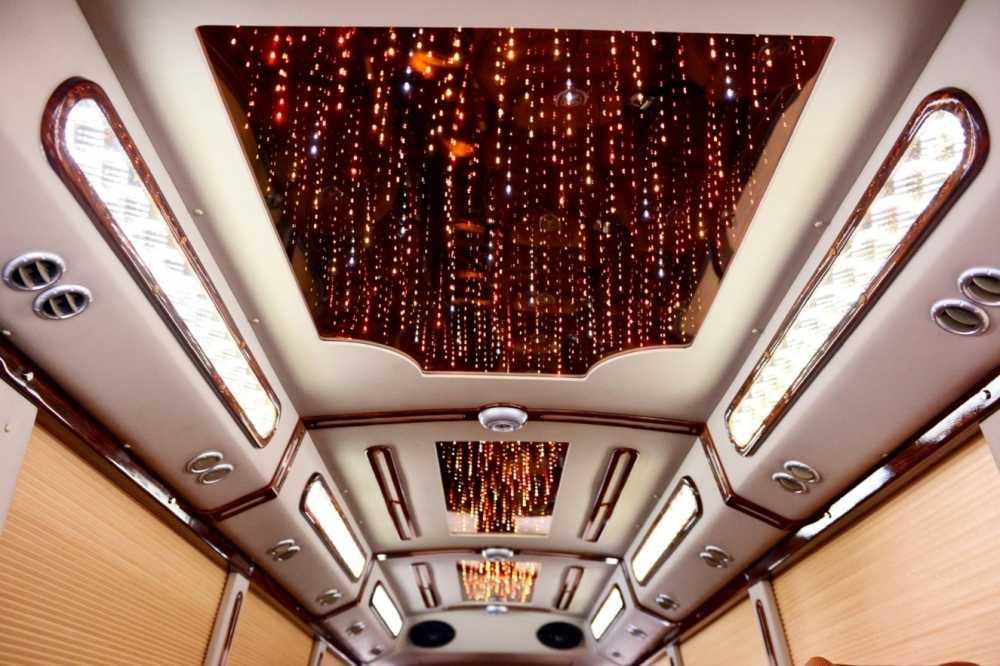 Kham pha xe khach limousine sieu sang hinh anh 9