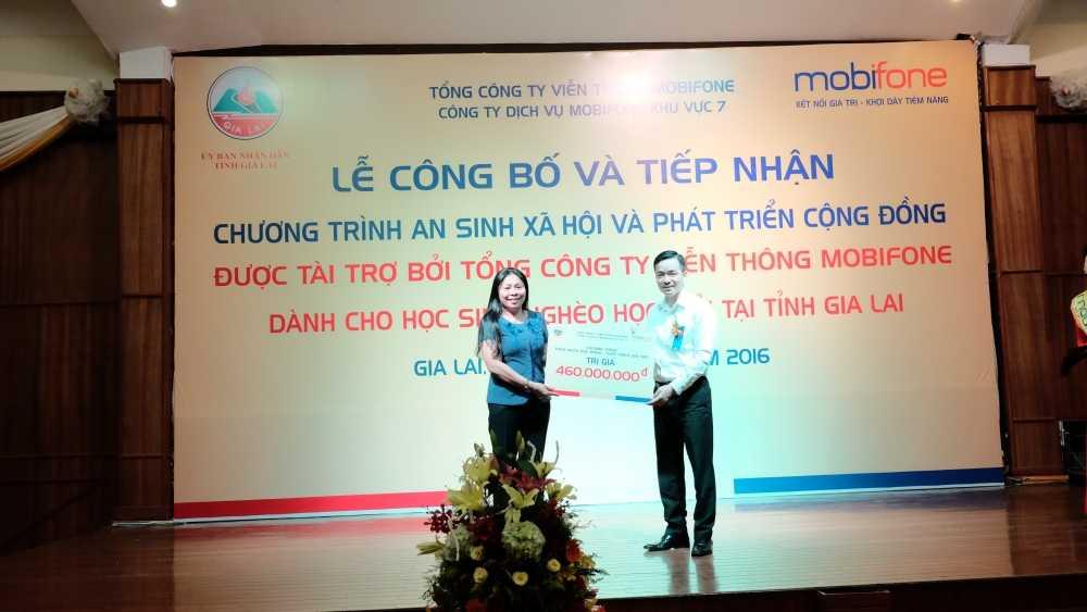 MobiFone: Le phat dong chuong trinh 'An sinh xa hoi va phat trien cong dong' hinh anh 2