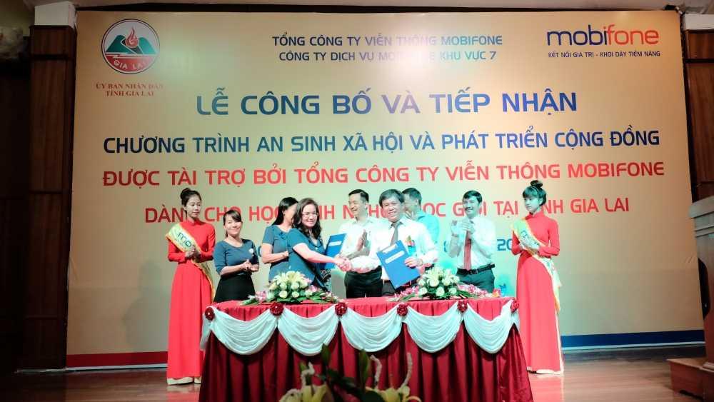 MobiFone: Le phat dong chuong trinh 'An sinh xa hoi va phat trien cong dong' hinh anh 1