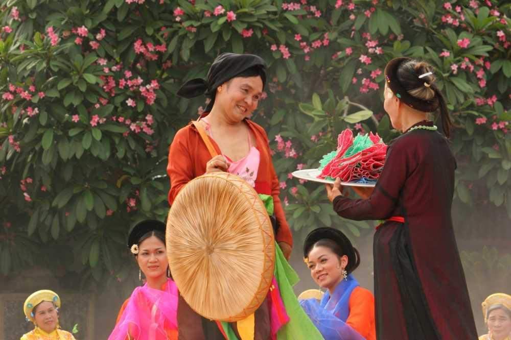 Xuan Hinh tiet lo chuyen di buon 'thuong vang ha cam' hinh anh 2
