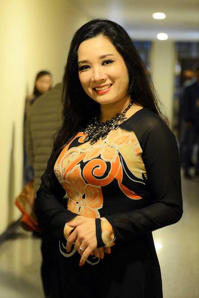 'Xuan Hinh dung cam khi noi Thanh Thanh Hien co chong roi van yeu' hinh anh 2
