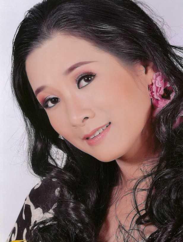 'Xuan Hinh dung cam khi noi Thanh Thanh Hien co chong roi van yeu' hinh anh 6