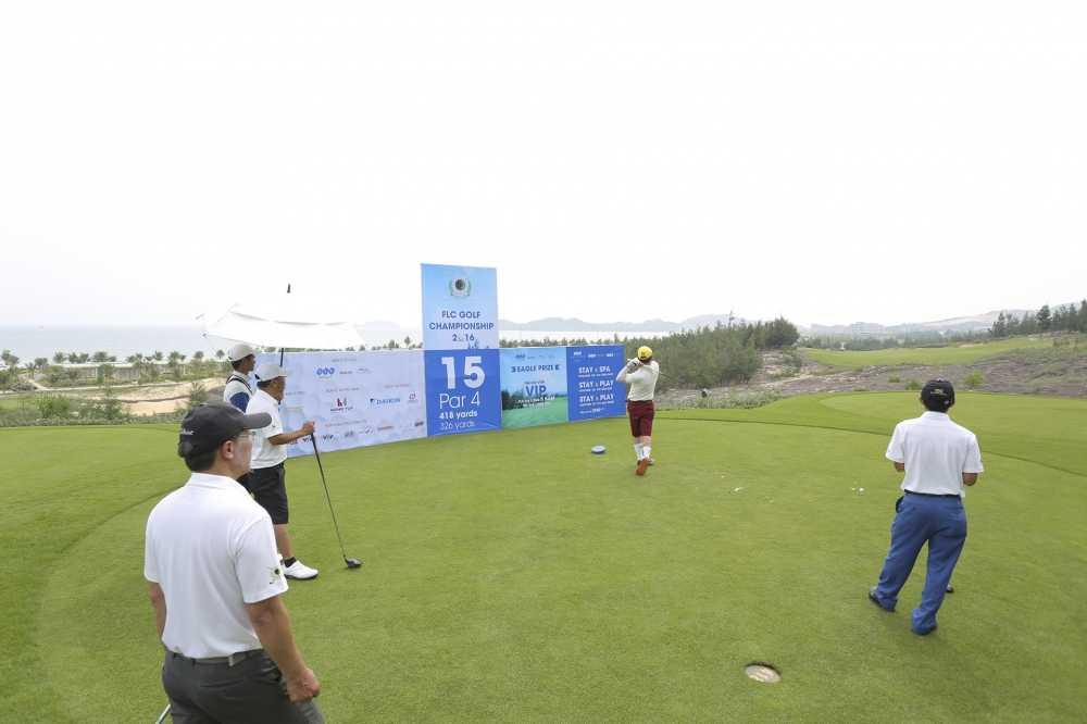 Giai golf FLC Golf Championship 2016 chinh thuc khoi tranh hinh anh 4