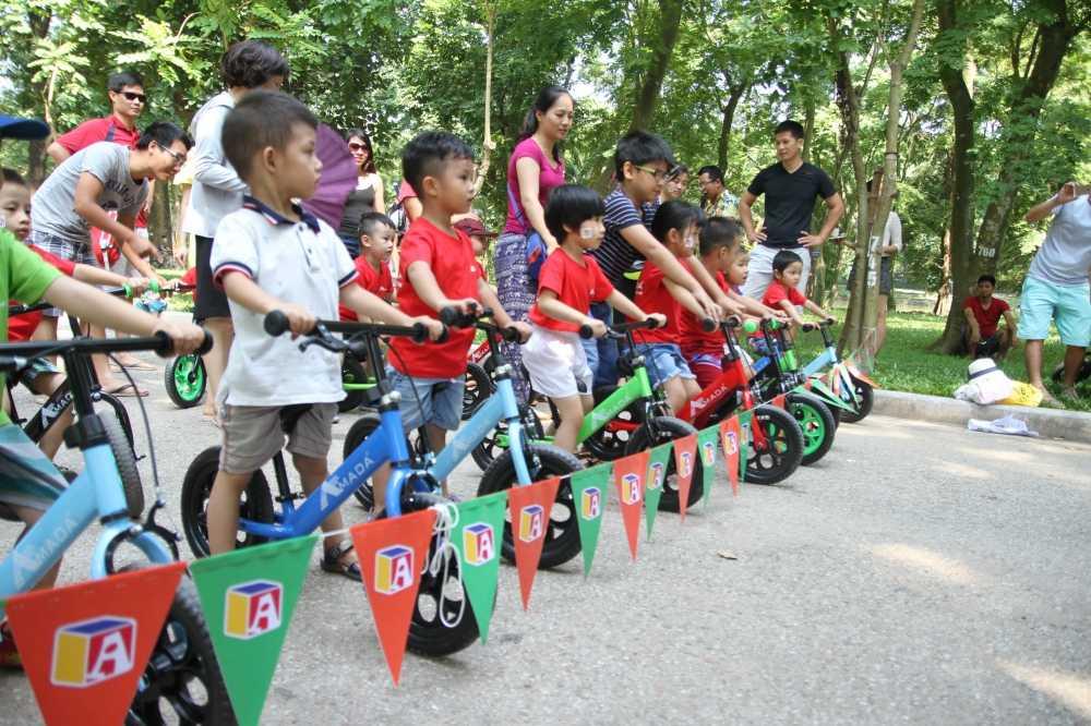 Cac cua ro nhi cung nhau tranh tai tai Amada Bikes Launching hinh anh 3