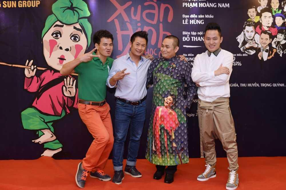 Liveshow Xuan Hinh - 10 trieu dong/cap khong co ma mua hinh anh 3