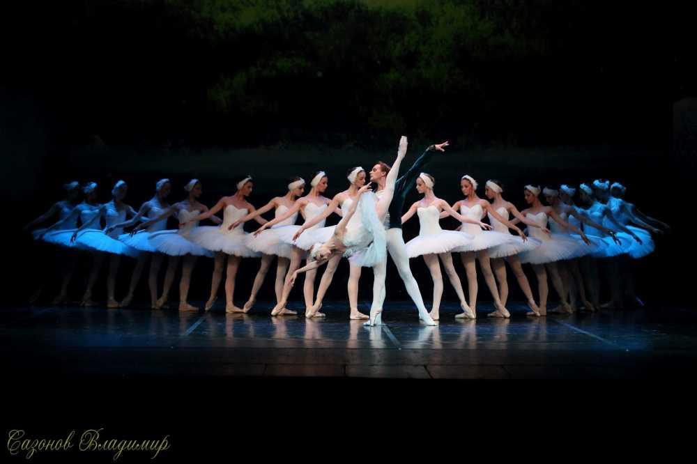 Ballet 'Ho thien nga' va 'Kep hat de': Hai tuyet pham cua Tchaikovsky den Viet Nam hinh anh 1