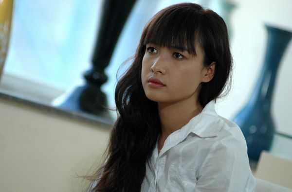 A hau Trinh Kim Chi 'doi dau' Le Be La hinh anh 1