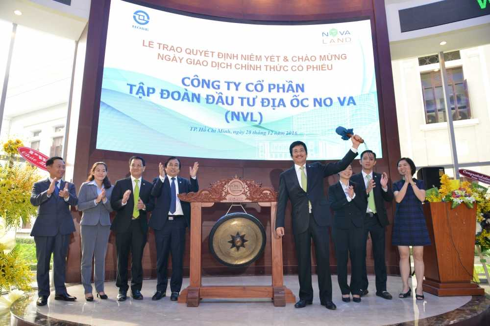 Le trao quyet dinh niem yet va chao mung ngay chinh thuc giao dich co phieu Tap doan Novaland hinh anh 2
