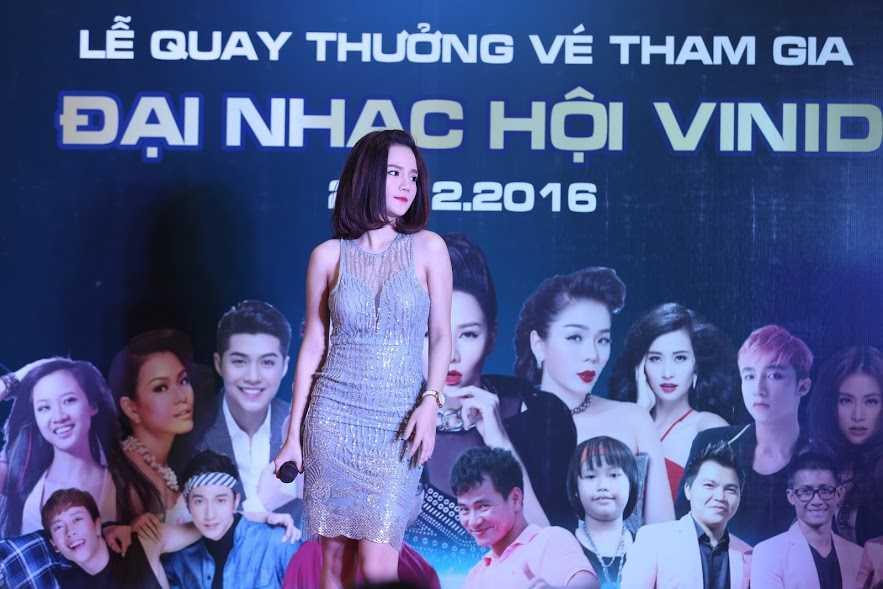 Hang ngan nguoi hao huc don cho ve 'Dai hy Xuan 2017' hinh anh 4