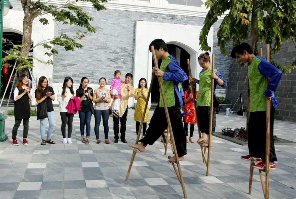 Kham pha Tet co truyen dung 'chat' tai Cong vien Chau A hinh anh 4