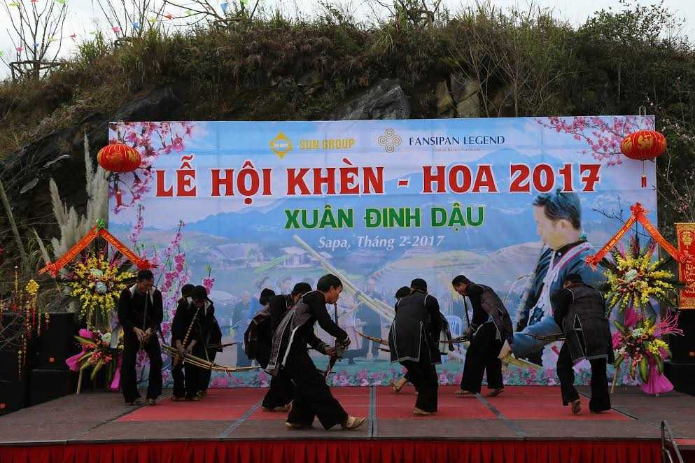 Khach bon phuong nao nuc du Hoi khen, hoa Fansipan Legend hinh anh 1