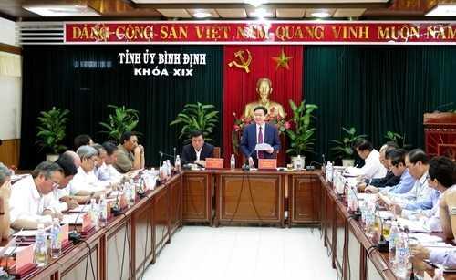 Pho Thu tuong Vuong Dinh Hue tham va lam viec tai Binh Dinh hinh anh 4