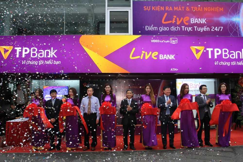 TPBank muon nang cao trai nghiem dich vu ngan hang so voi LiveBank hinh anh 1