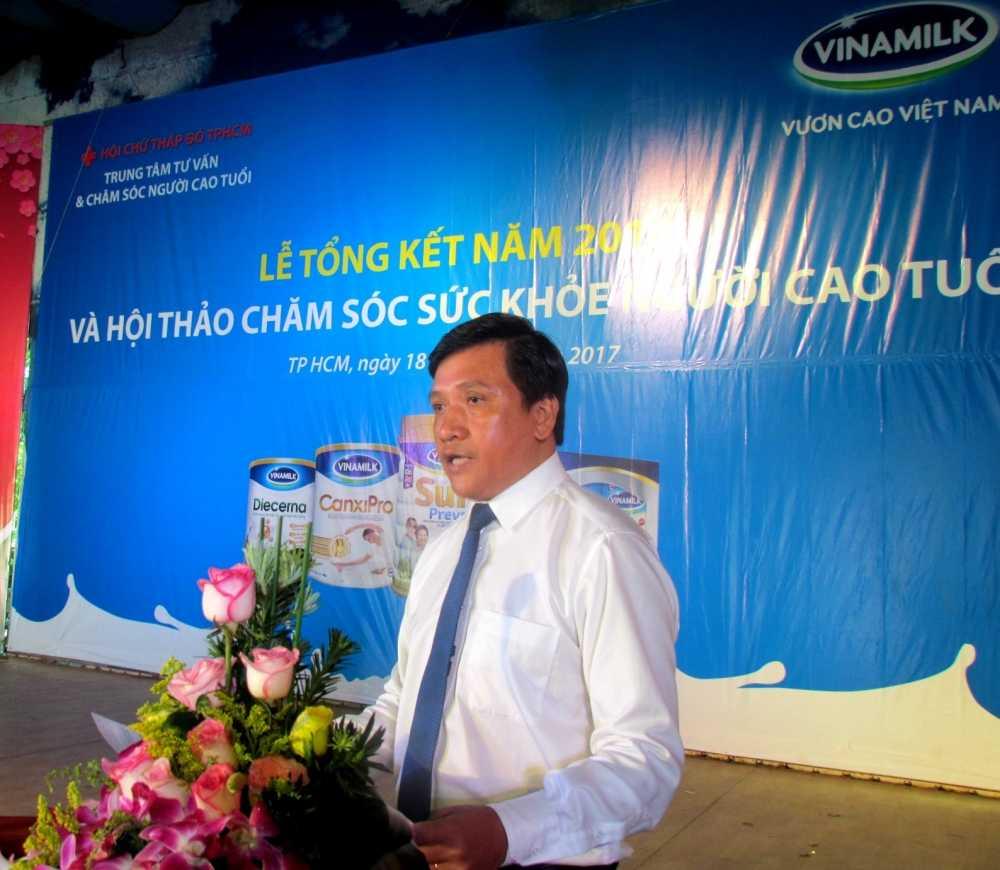 Vinamilk khoi dong hanh trinh cham soc suc khoe cho nguoi cao tuoi nam 2017 hinh anh 5