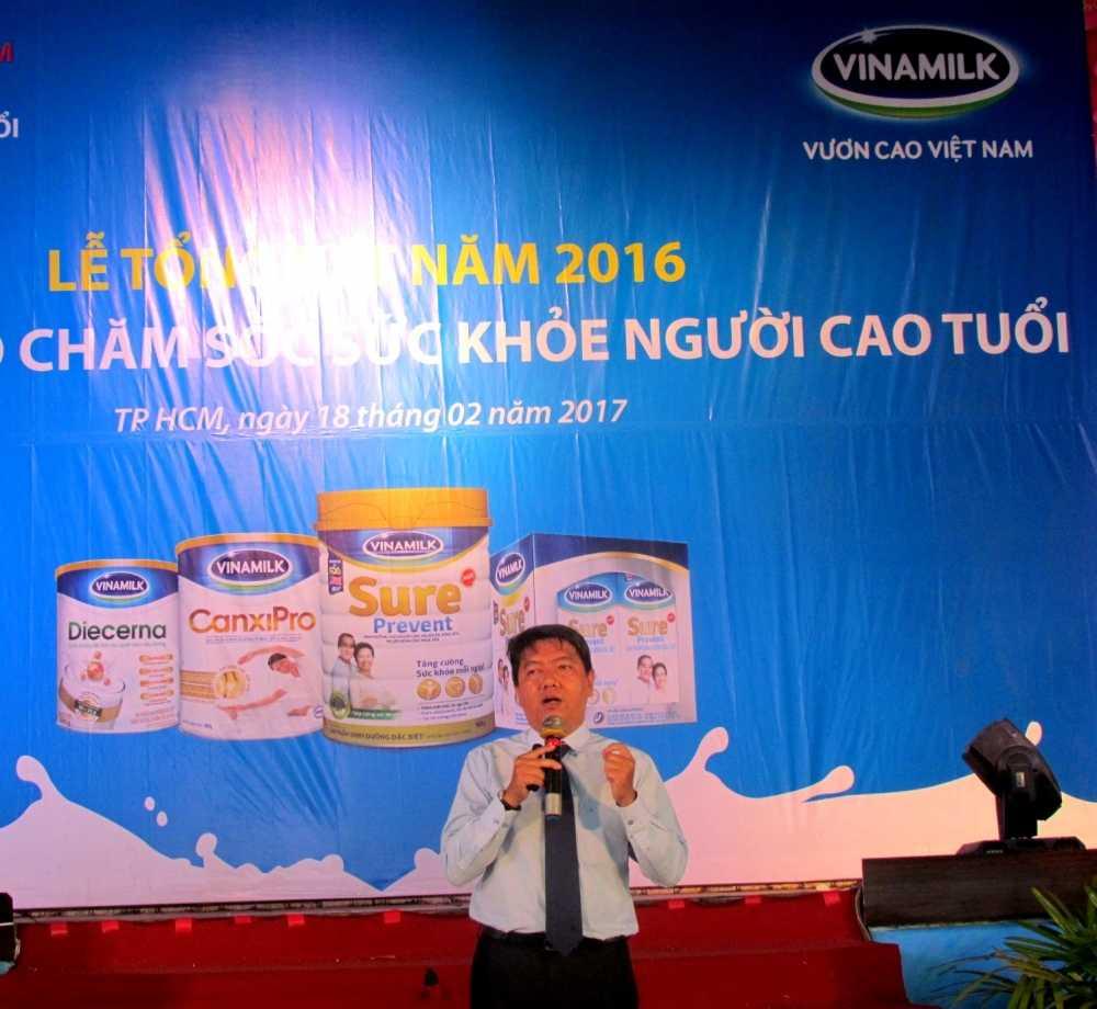 Vinamilk khoi dong hanh trinh cham soc suc khoe cho nguoi cao tuoi nam 2017 hinh anh 4