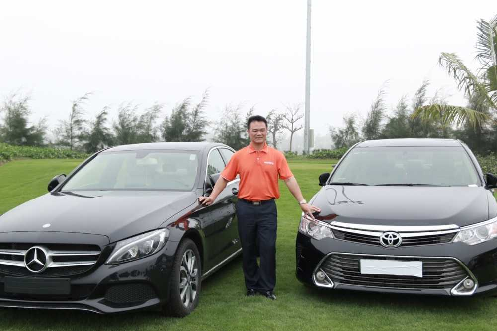 Ky tich 2 cu hole-in-one trung hon 10 ty trong cung mot ngay hinh anh 1