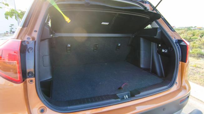 Suzuki Vitara 2016 - Doi thu nang ky trong phan khuc SUV do thi hinh anh 8
