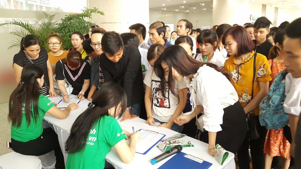 Chen chan dang ky Vay Nhanh tai VPBank hinh anh 2