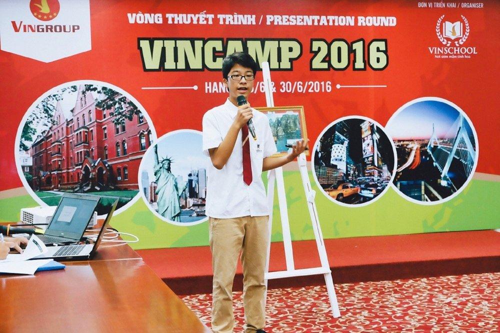 30 hoc bong toan phan tham du Trai he VinCamp 2017 tai Anh Quoc hinh anh 2