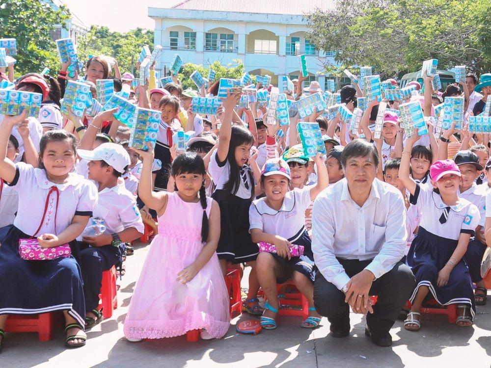 FrieslandCampina Viet Nam huong ung ngay sua the gioi 01/06/2017 hinh anh 1
