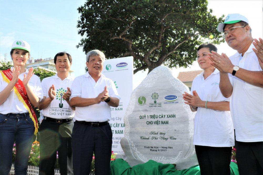 Quy 1 trieu cay xanh cho Viet Nam va Vinamilk trong hon 110.000 cay xanh tai Ba Ria Vung Tau hinh anh 8