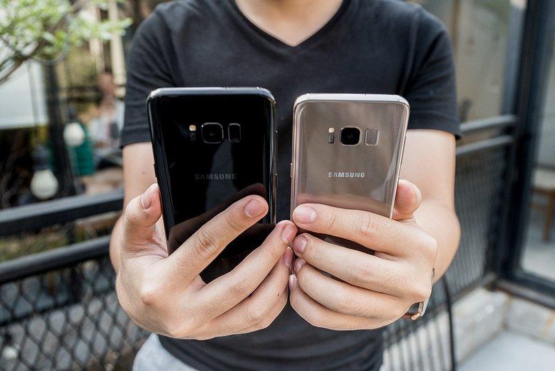 Danh gia Samsung Galaxy S8 va S8+: Man hinh vo cuc, cau hinh manh me voi nhieu dot pha hinh anh 2