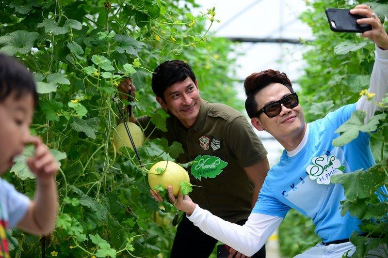 Dien vien Huy Khanh, Hong Phuc tranh tai trong vuon rau sach hinh anh 6